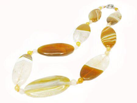 chalcedony: giallo perle agata e calcedonio isolato su sfondo bianco Archivio Fotografico