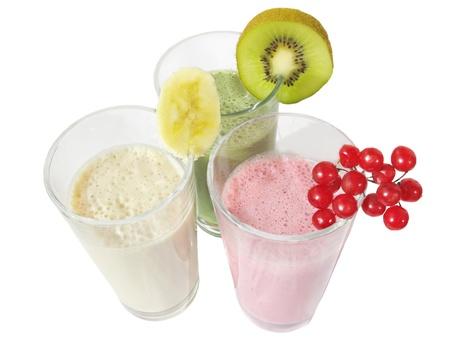 Composition de trois coktails de fruits isolés sur fond blanc Banque d'images - 13490709