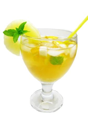 cruchon: frutos Cruchon c�ctel pu�etazo en vaso con hielo y la fruta