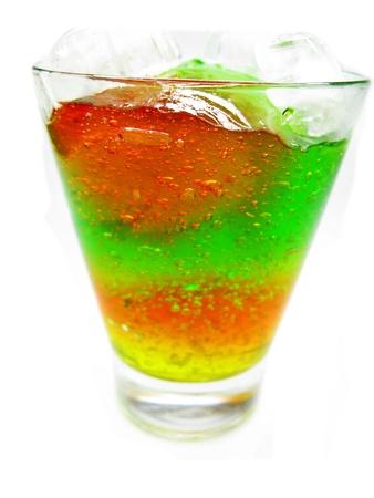 cruchon: alcoh�lica c�ctel verde cruchon con hielo Foto de archivo