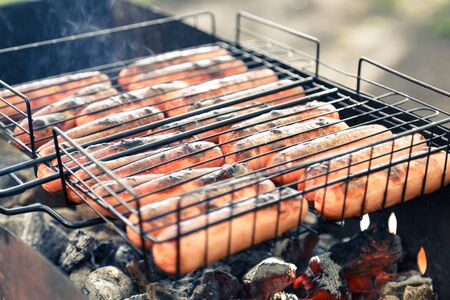 grates: grilled sausages covered with lightly burnt crust