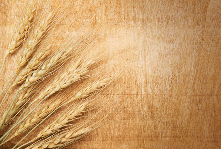 wheat on the wood background Banco de Imagens