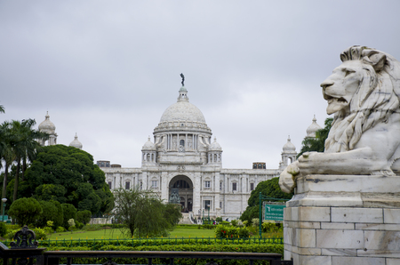 The palace in India to Kolkata Victoria Memorial Hall Stock Photo - 103306955