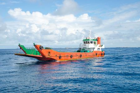 cargoship in the indian ocean maldives Reklamní fotografie