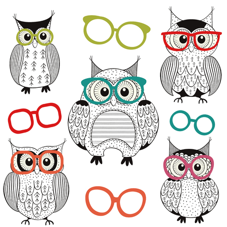 sketch drawing: set of isolated owls with glasses - vector illustration, eps Illustration