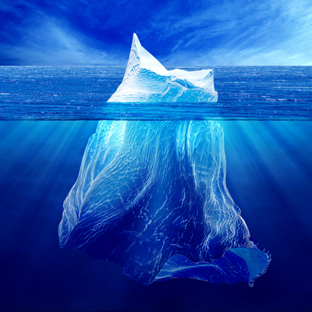 빙산 물과 상기 물 아래.
