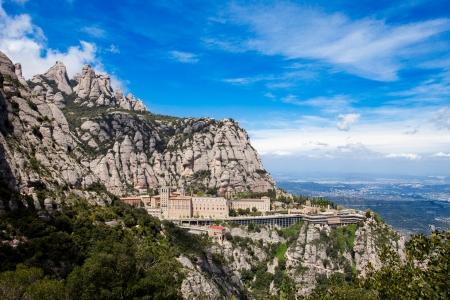 Klooster van Montserrat is een spectaculair mooie Benedictijnenabdij hoog in de bergen in de buurt van Barcelona, Catalonië, Spanje Stockfoto