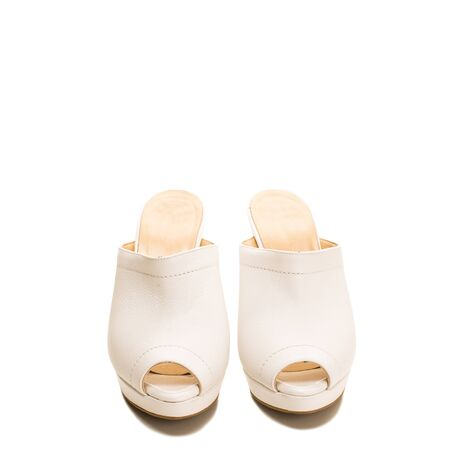 Stylish white leather shoes with open toes Imagens