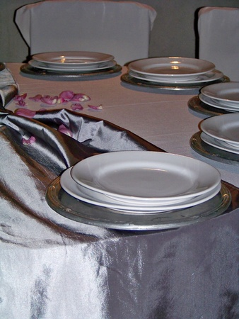 Silver and white celebration elegant circular table in vertical photo