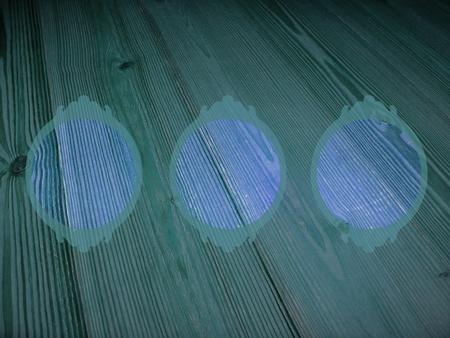 cian: Cian, circules, three, frames, empty, old, wood
