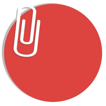 Red fond de papier circulaire pour les notes de bureau avec un clip isolé sur blanc Banque d'images - 20979367