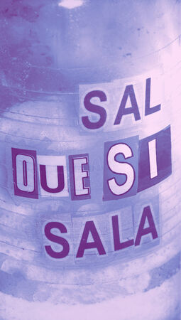Effectiveness of salt as life flavor message in spanish photo