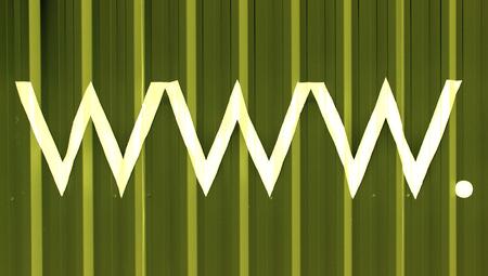 fondo verde oscuro: S�mbolos de dominio www en el fondo abstracto de color verde oscuro Foto de archivo
