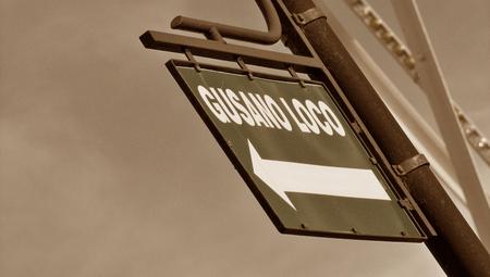 bn: Street sign