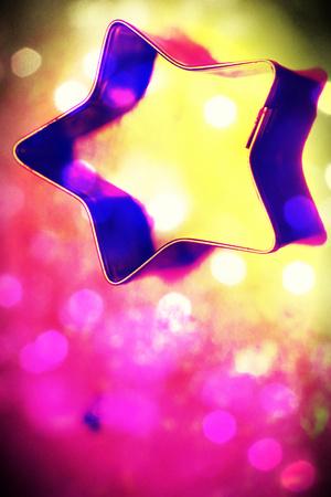 estrellas cinco puntas: Estrella de Navidad y luces de fondo abstracto