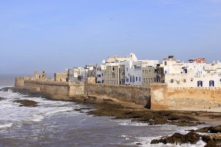 Vue panoramique aérienne des remparts d'Essaouira à Essaouira, Maroc. Essaouira est une ville de la région ouest du Maroc sur la côte atlantique