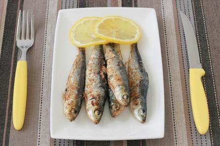 sardine: sardine fritte con limone