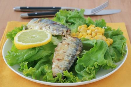 sardines: salad with sardines