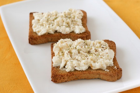 Toasts with cream cheese