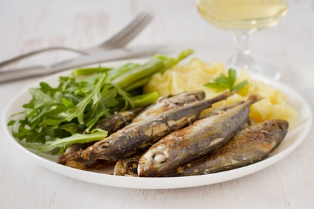 sardinas fritas con pur� de patatas y jud�as verdes photo