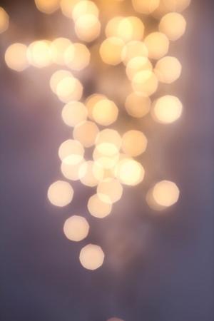 ピンぼけ光ヴィンテージ背景。明るいピンク色です。Defocussed の背景に輝き、マジック ライトの抽象的な天然ボケします。