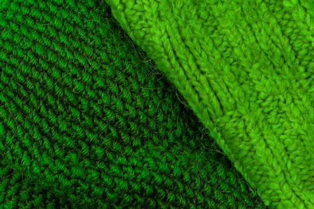 tejido de lana: Green knitting wool texture background. Colorful knitted horizontal textured background.
