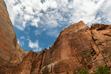 Cliffs in Zion National Park, Utah Stock Photo - 115492603