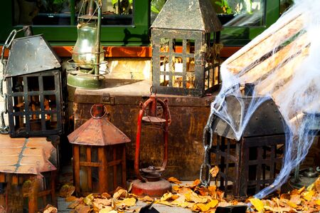 Authentic vintage lanterns and lamps. Antiques. Close-up 写真素材 - 133727234