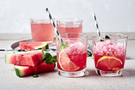Summer refreshing watermelon cocktail with mint and lemon. Zdjęcie Seryjne