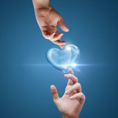 Corazón apoyo. Foto de archivo - 72081859