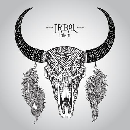 american rodeo: Dibujado a mano ilustración vectorial de cráneo del toro con plumas. Ornamento étnico indio