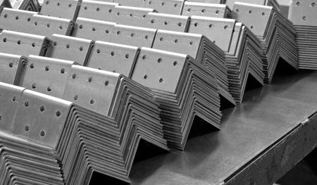 firmness: herramientas met�licas listo para el embalaje met�lico fijador �ngulo Foto de archivo