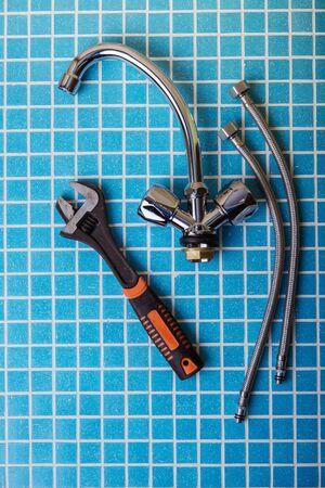 New water tap, Plumbing accessories and tools Standard-Bild