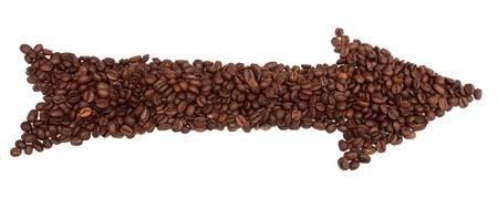 白い背景で隔離のコーヒー豆から矢印。ポインター記号。 写真素材