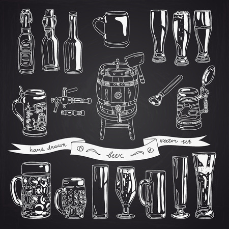 Vector collection of beer glasses and bottles icons. Hand drawn Illustration with beer glasses, beer bottles and beer keg. Chalkboard design. Ilustração