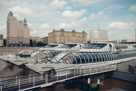 The station of river tourist liners, trams on the Moscow river, a tourist route for guests of the capital, foreign tourists. Moscow, Russia, June 2020. 新聞圖片