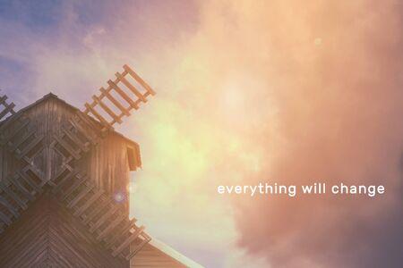 Mühle auf dem Hintergrund eines schönen Himmels mit Wolken, Platz für Text Standard-Bild - 92038940
