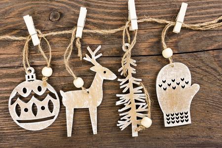 venado: Madera de decoración de Navidad - bolas de navidad, ciervos, árbol y manopla