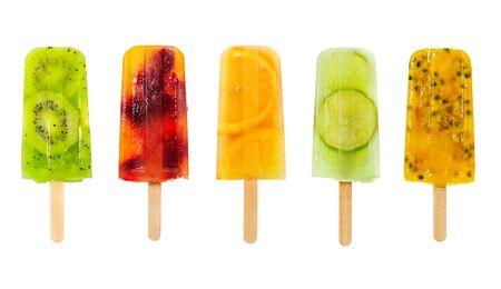 Satz Fruchteis-Pop isoliert auf weißem Hintergrund