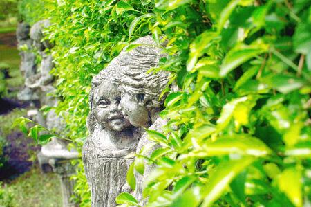 plasticity: Plasticity model for children who live in central park green bushes