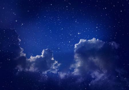noche estrellada: Estrellas en el cielo nocturno