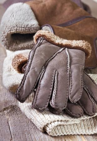warm clothes: vestiti caldi