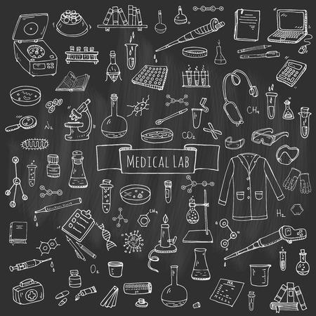 Hand getrokken doodle medisch laboratorium iconen set. Vector illustratie. Chemisch laboratorium symbool collectie. geneeskunde en gezondheidszorg Cartoon elementen: research tools, stof en moleculen, laboratoriumjas, masker Stock Illustratie