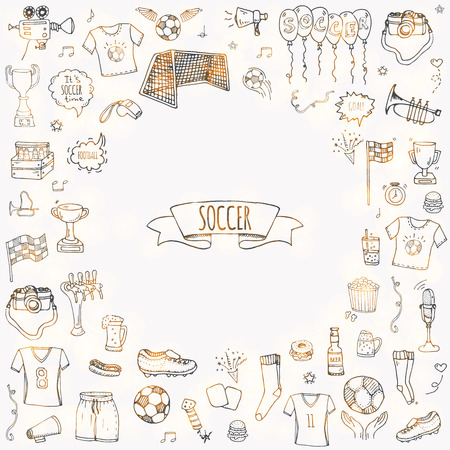 Dibujado a mano doodle Conjunto de fútbol Ilustración vectorial Iconos tradicionales de deporte incompletos Colección de elementos típicos de fútbol de dibujos animados Pelota de fútbol, tacos, gol, trofeo, silbato, guantes, botas aisladas Foto de archivo - 100314575