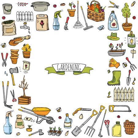 Dibujado a mano doodle conjunto de iconos de jardinería. Conjunto de ilustración vectorial Símbolos de jardín de dibujos animados. Colección de elementos incompletos: cortacésped, recortadora, pala, horquilla, rastrillo, azada, trug, carretilla, carrete de manguera.
