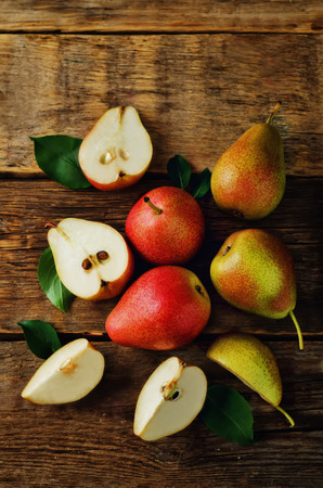 Pears on a dark wood background. toning. selective focus Stock fotó - 80733951
