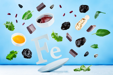 Flying foods rich in iron. Healthy eating Stockfoto