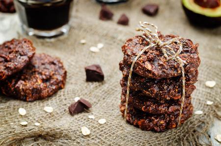 Vegan avocado cashew butter oats chocolate cookies. 版權商用圖片