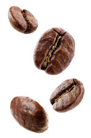 Kaffeebohnen auf weißem Hintergrund. selektiver Fokus