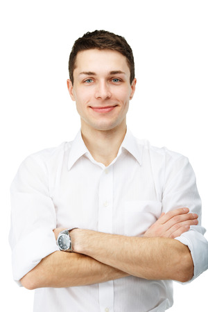 portret van knappe lachende man tegen een witte achtergrond
